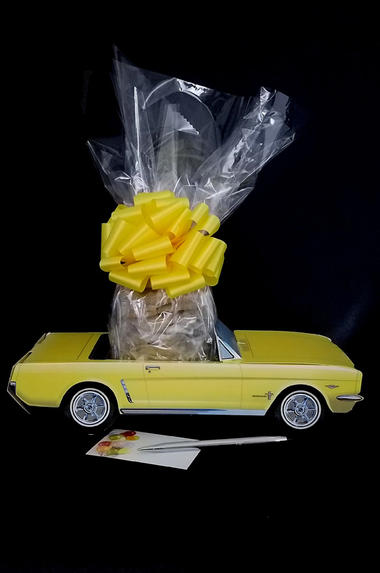 Yellow Classic Car - 12 Cookies and Brownies