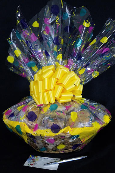 Super Basket - Balloon Cellophane - Yellow Bow - 60 Cookies and Brownies