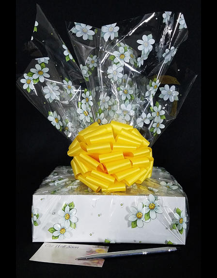 Medium Box - Daisy Cellophane - Yellow Bow - 18 Cookies and Brownies